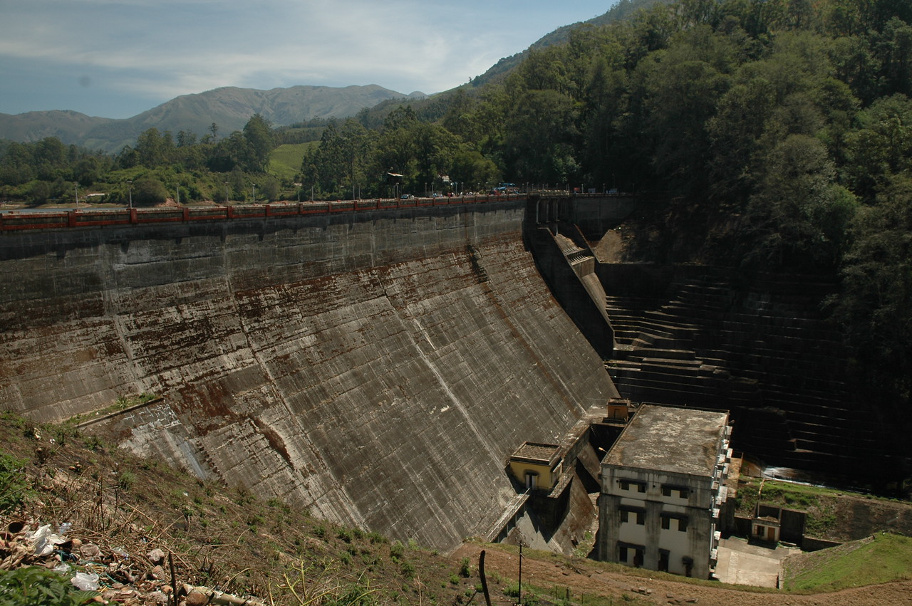 Dam on a lake near Munnar