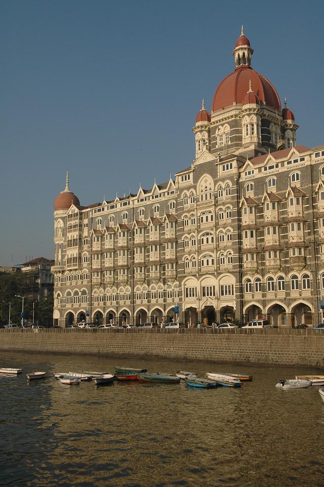 Mumbai waterfront with the Taj Mahal Hotel