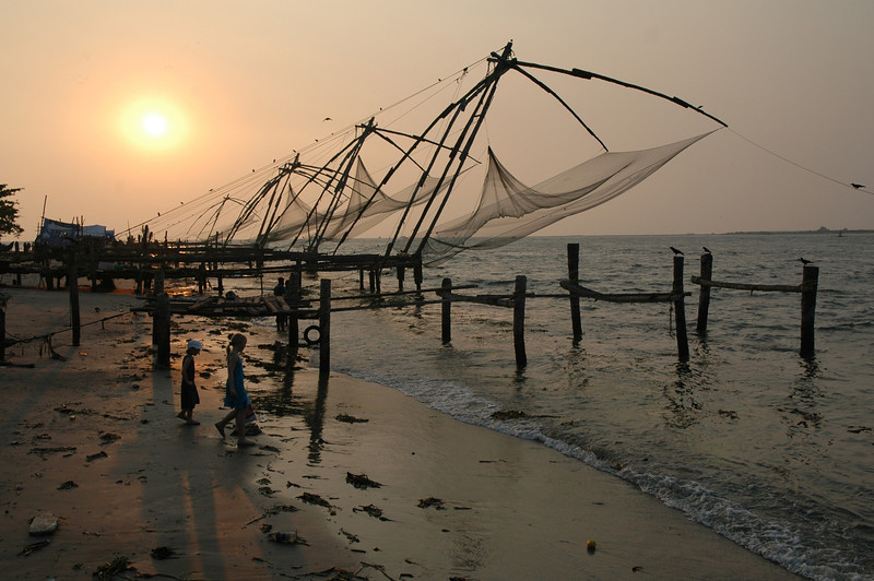 Sun setting behind the Chinese fishing nets in Fort Cochin