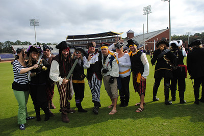 11/6/2010 ECU vs Navy - Rachel, Stephen, Preston, Jen, JG, Chris, Anne-Stewart, Jon