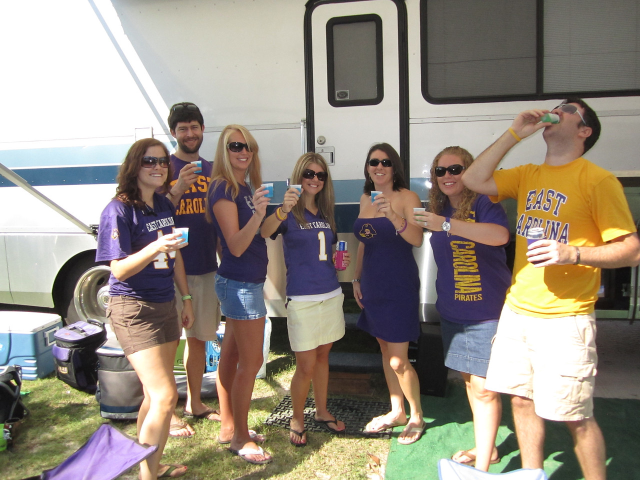 9/10/2011 ECU vs Virginia Tech  Missy, Blane, Staci, Jenn, Emily, Lauren, Preston