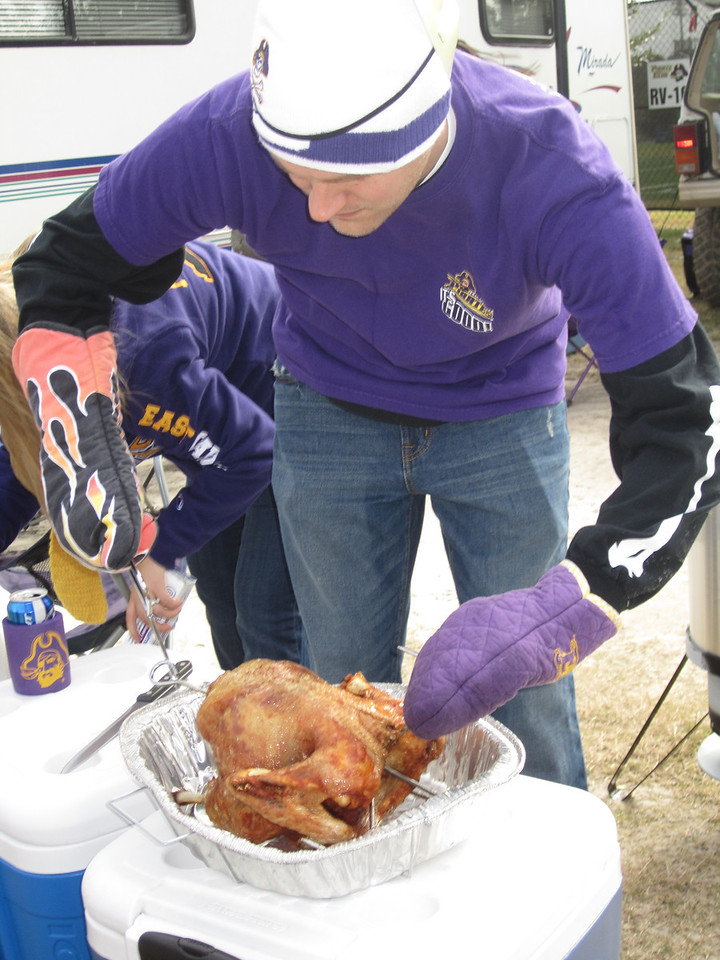 11/5/2011 ECU vs Southern Miss - Chuck with the fried turkey