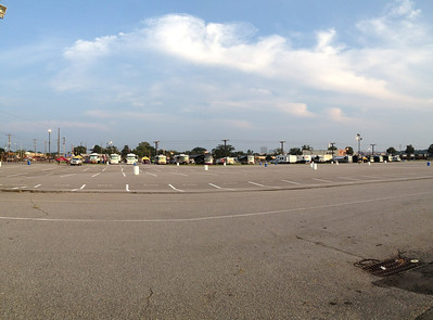 9/8 RVs lined up in the morning.