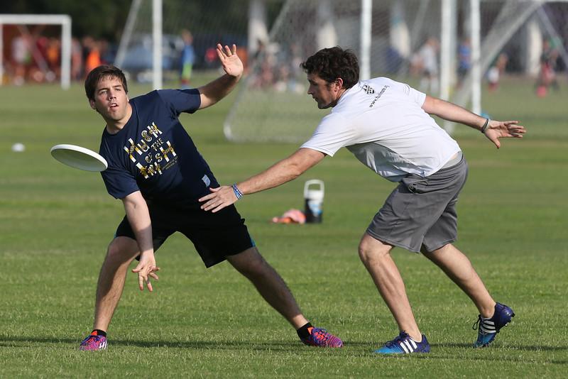 20160602_Frisbee Football-1