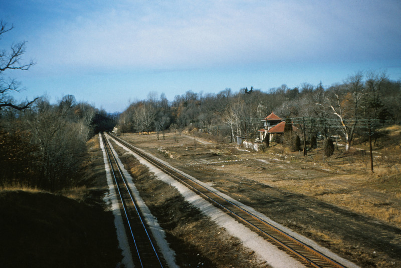 SLSF 61 - Jan 25 1955 - looking toward Meremec highlands from Glenwood Ave bridge MO