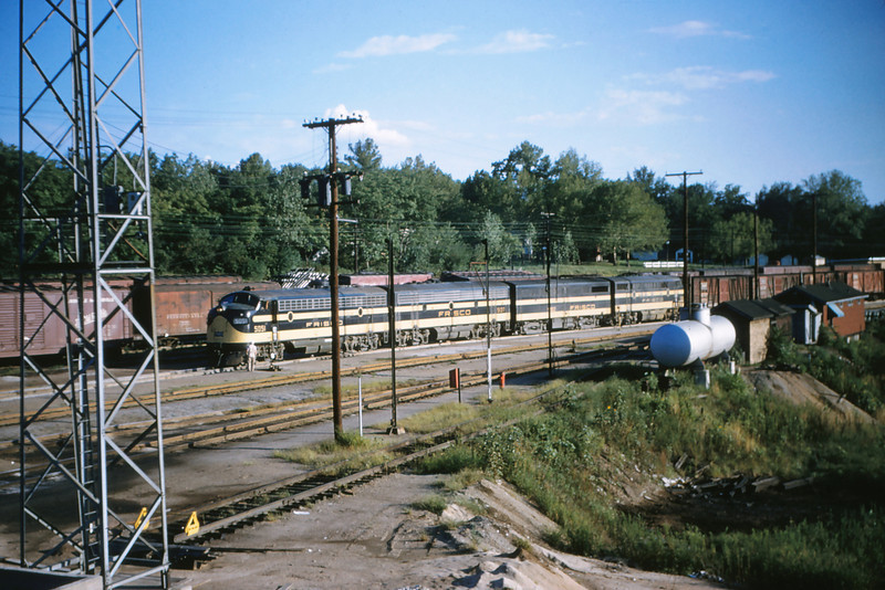 SLSF 5 - Aug 22 1954 - unit 5051 heading 4 unit diesel Lindenwood MO