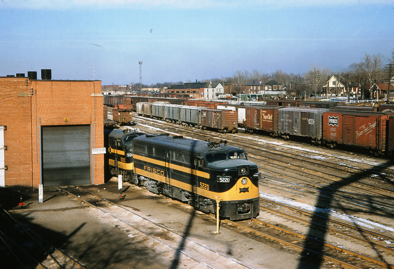 SLSF 103 - Feb 13 1958 - Alco-GE No  5220 & EMD 5010 at Lindenwood St  Louis MO