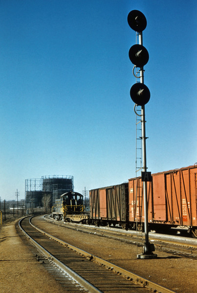 SLSF 85 - Feb 19 1957 - EMD Switcher No 260 at Fyler Yards St Louis MO