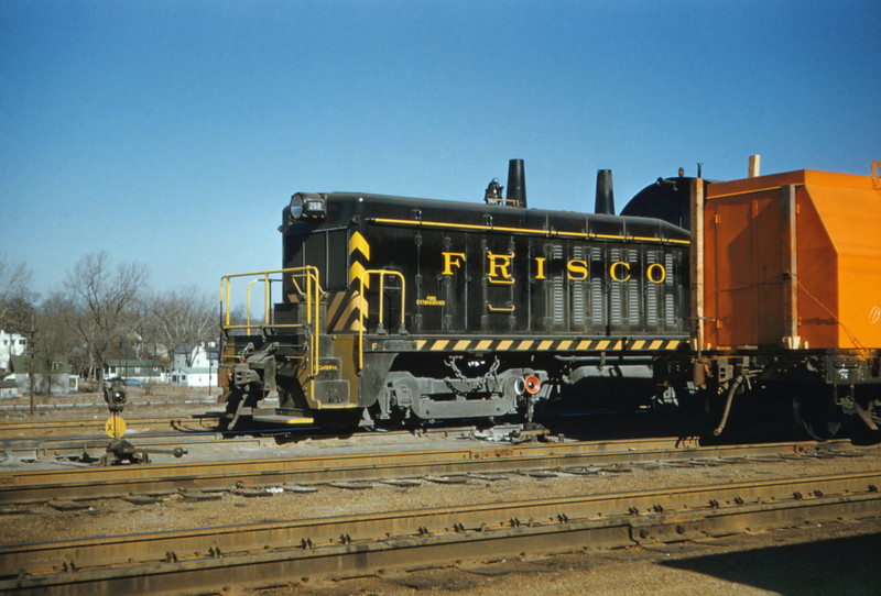 SLSF 84 - Feb 19 1957 - No 260 at fyler yards MO