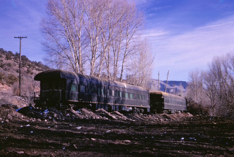 SLSF 123 - Nov 15 1966 - Bus cars 5 & Alabama spurred out @ Woody Creek COLO