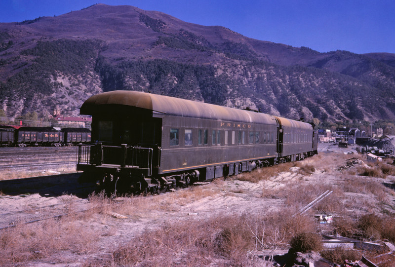 SLSF 125 - Oct 25 1966 - Bus Car 5 & Alabama - Glenwood Springs COLO