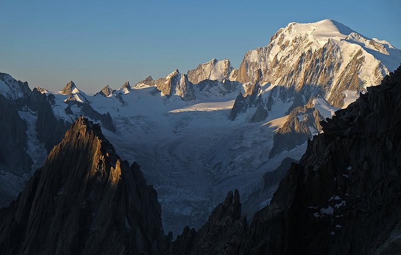 dawn over l'Aiguille du Moine et le Mont Blanc, France