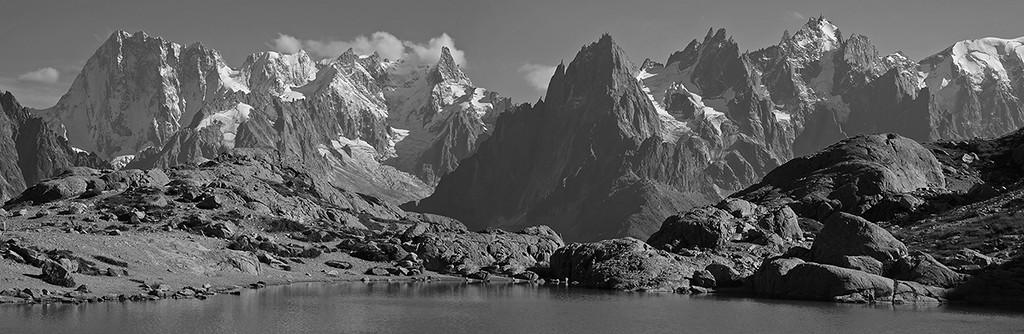 Les Grandes Jorasses et les Aiguilles de Chamonix, Massif du Mont Blanc
