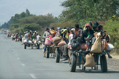 One of many scenes photos  of famers on their way to market - here Halaba market on the road to Arba Minch (3)...