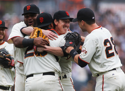 GIANTS BEAT PADRES ON LINCECUM NO HITTER