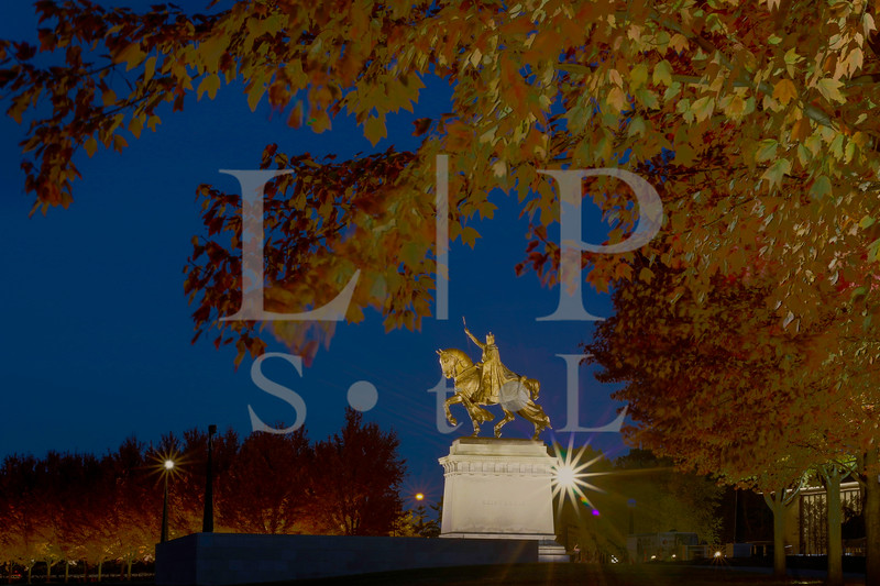 St Louis Statue Art hill night 3994-5-6