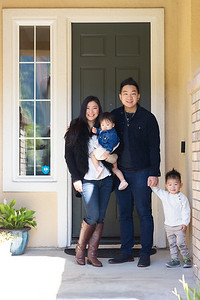 Pang-Family-FrontSteps-9930-X4