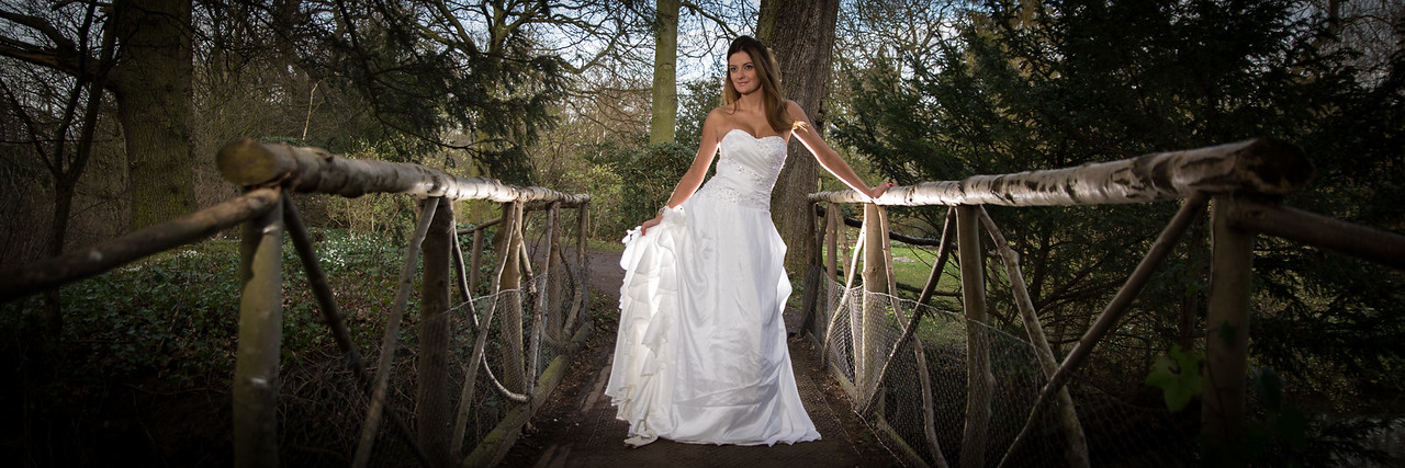wedding photography Leicestershire - Bride in white