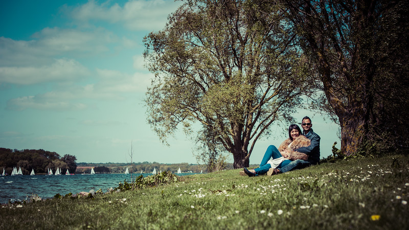 engagement photoshoot - Coupled by the lake