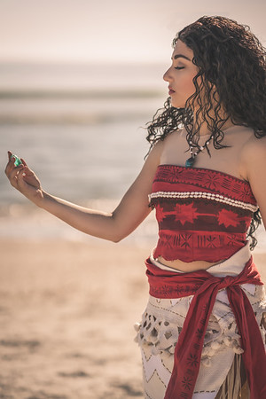 Moana cosplay by @queennyotacosplay (Instagram)