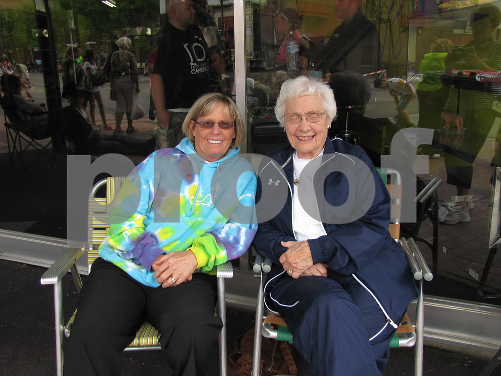 Dianne Krebs and her mother Beth McCabe waiting for the parade to begin.
