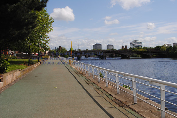 River Clyde walkway Glasgow - 02