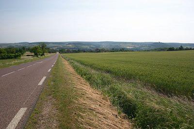 Heading down to Vezelay