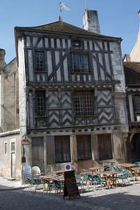 Nevers-sur-Serein cafe
