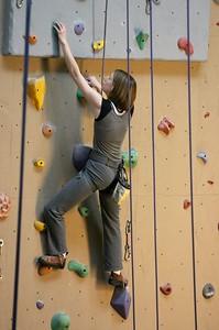 Shanda climbing reaching