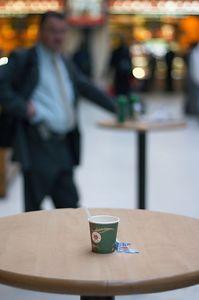 Man and coffe, Gare de Lyon
