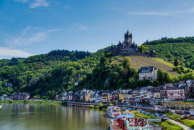 The old town of Cochem with the imperial castle 'Reichsburg Cochem' on the hill