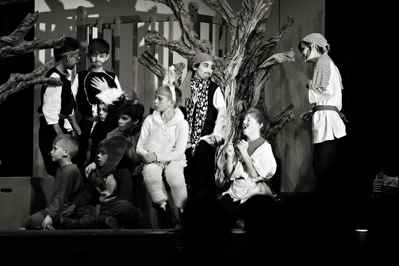 20170422_On_Stage_1052bw