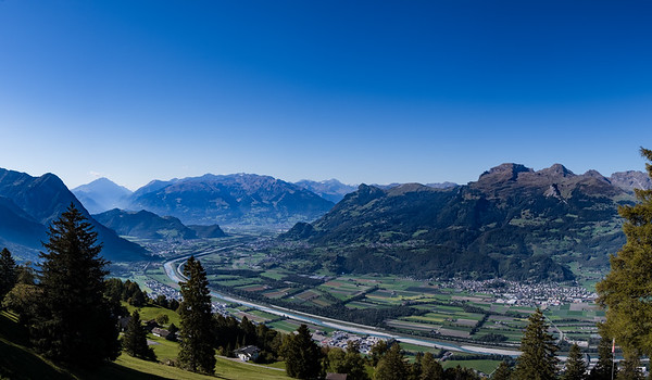 Liechtenstein on the left, Switzerland on the right of the Rhine River