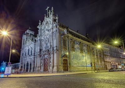 Igreja do Carmo and Igreja dos Carmelitas at night