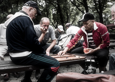 A fast game of backgammon