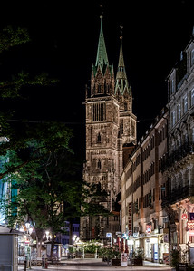 Nuremberg / Nürnberg at night - St. Lorenz Church