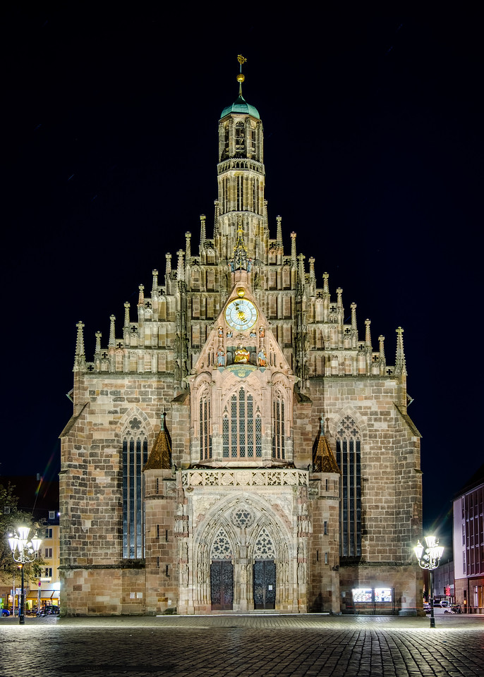 Nuremberg / Nürnberg at night - The Frauenkirche