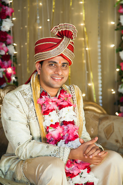 Gorgeous Hindu Groom Image By Sanjoy Shubro In India