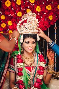 Candid Hindu Bride Photography By Sanjoy Shubro In Bangladesh
