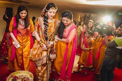 Bangladeshi Holud Bride With Bridesmaid Image Sanjoy Shubro