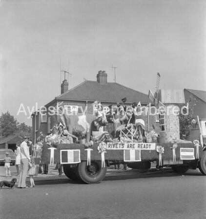 Carnival in Buckingham Road, July  1971