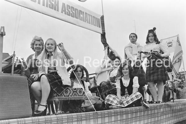 Carnival in Buckingham Road, July 1975