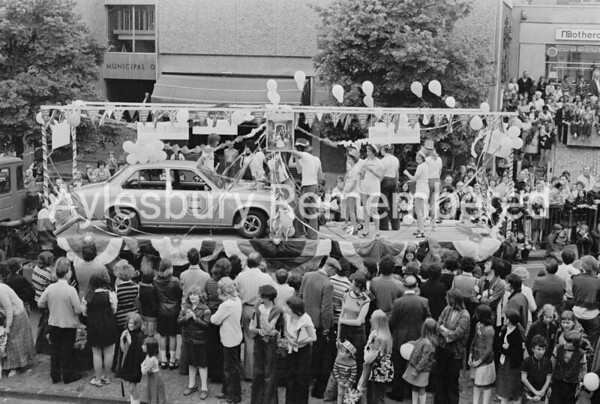 Silver Jubilee Carnival in Market Square, May 1977