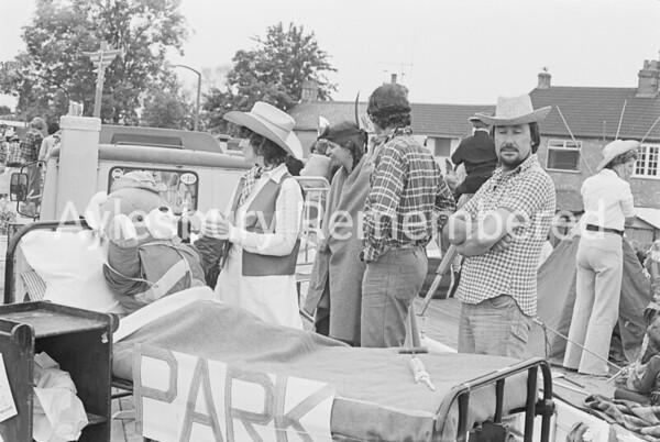 Carnival in Dunsham Lane, July 1978