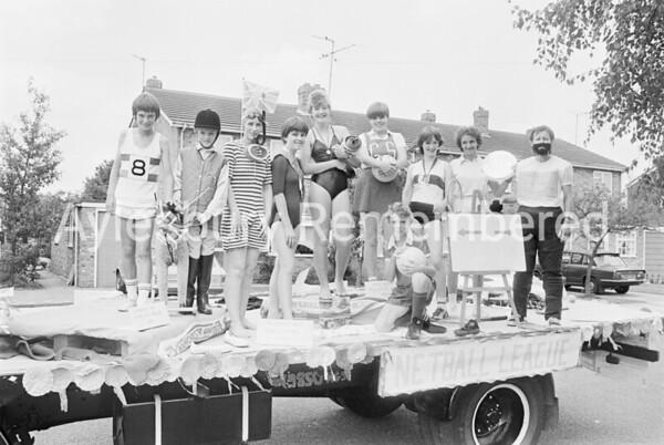 Carnival in Dunsham Lane, July 1982