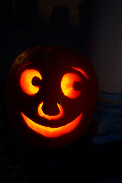 This was the first attempt; a simple design to get used to the pumpkin carving tools.