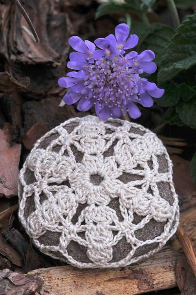 Cluster Petal Snowflake Rock