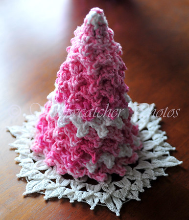 Crocodile Snowflake and Pink Friday Christmas Tree