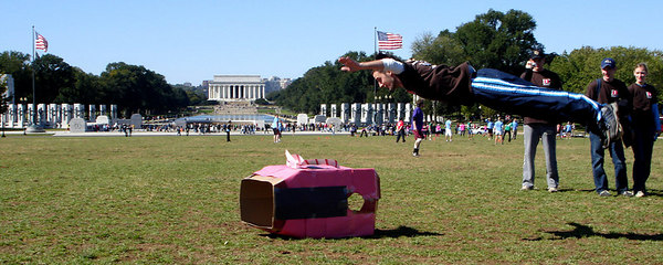 Another angle for saying good-bye to Itchy - Washington, DC ... October 14, 2006 ... Photo by Rob Page III