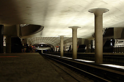 DC Metro Station - Washington, DC ... June 25, 2006 ... Photo by Rob Page III